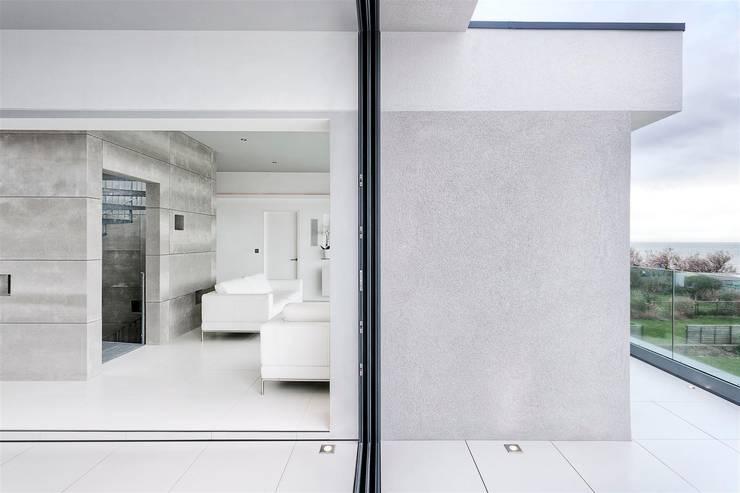 AR Design Studio- Lighthouse 65:  Terrace by AR Design Studio