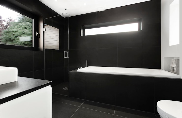 Banheiros modernos por AR Design Studio