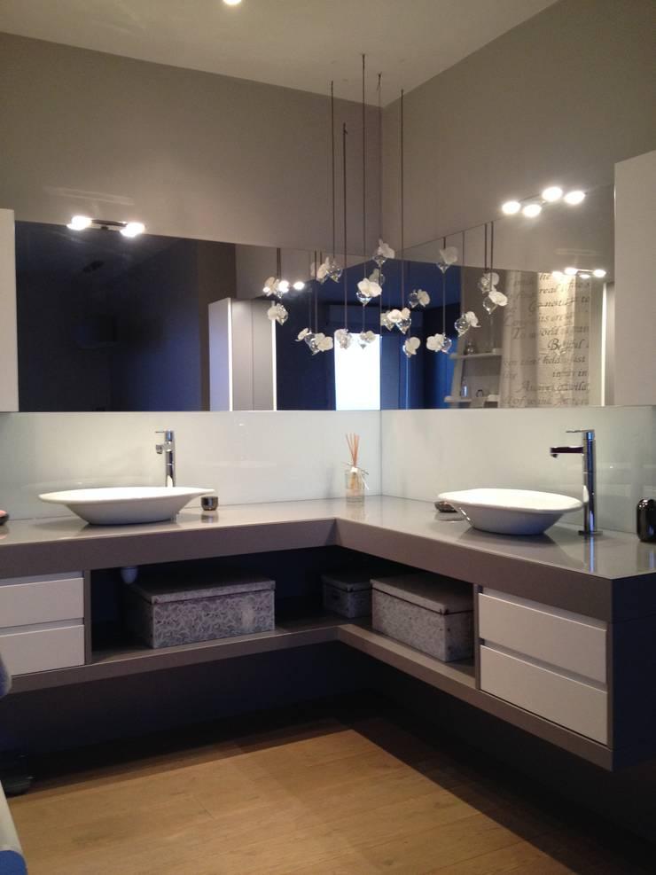 Appartement à Rueil Malmaison: Maisons de style  par Texture Designed by G.