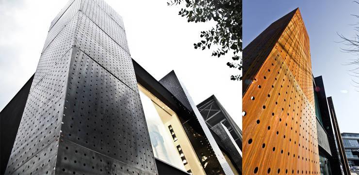 Giorgia Boutique <q>ur-former project</q> : Negozi & Locali commerciali in stile  di Enrico Muscioni Architect