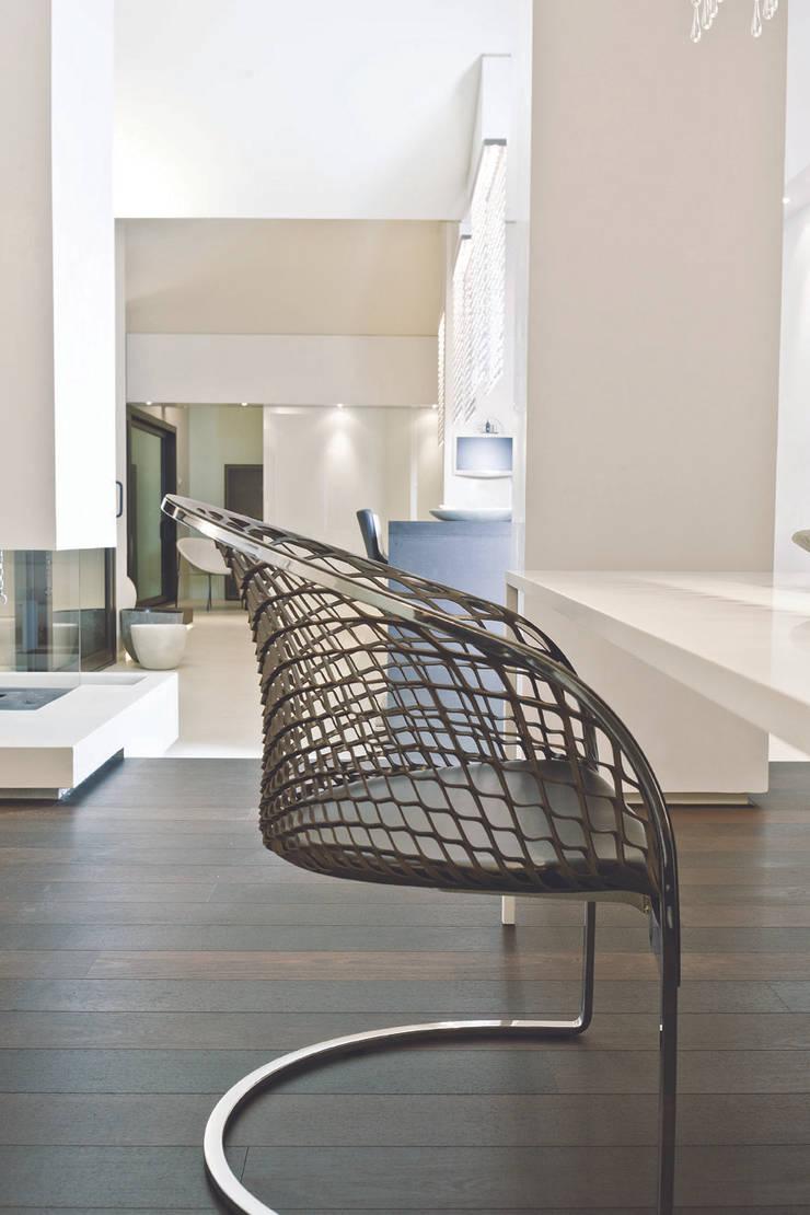 Salones de estilo  por Enrico Muscioni Architect