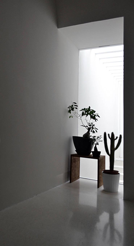 Corridor & hallway by (dp)ªSTUDIO, Mediterranean