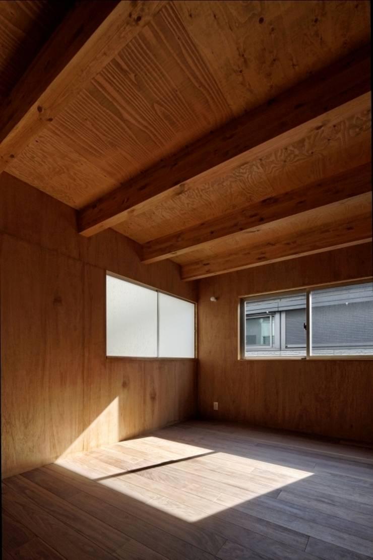 ヤネウラウラ: eu建築設計が手掛けた子供部屋です。