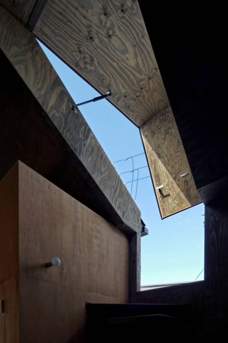 ヤネウラウラ: eu建築設計が手掛けた窓です。