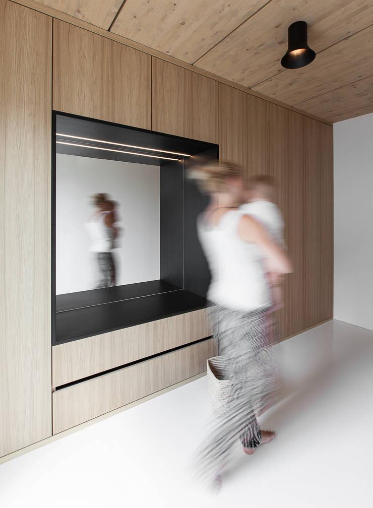 Salas / recibidores de estilo  por FORMAT ELF ARCHITEKTEN, Moderno