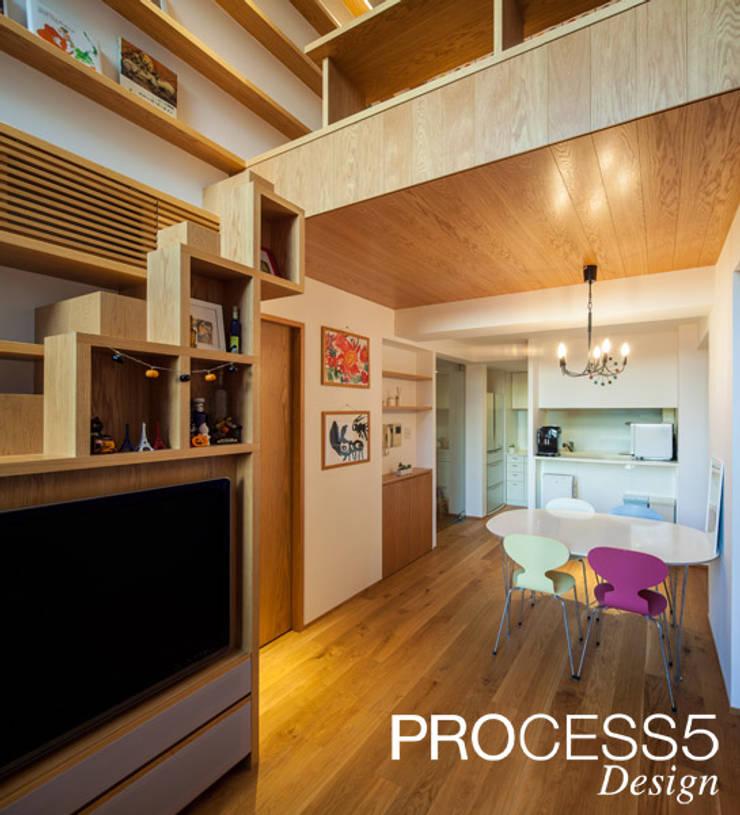 Salas multimedias de estilo  por 株式会社PROCESS5 DESIGN, Minimalista