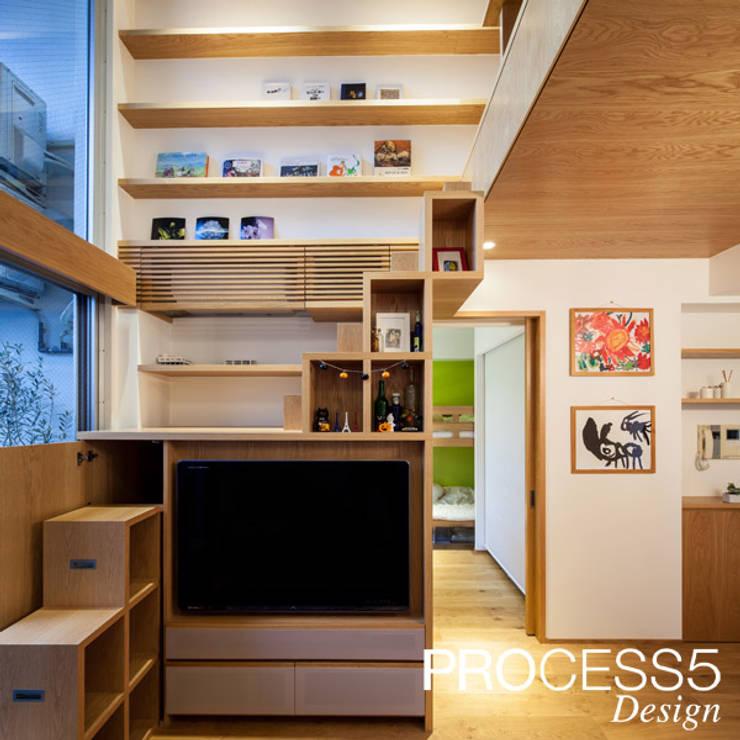 Salas multimédia  por 株式会社PROCESS5 DESIGN, Minimalista