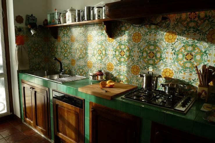 cucina in muratura: Cucina in stile  di Studio 3.14