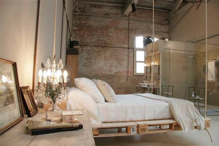 Dormitorios de estilo  por BARASONA Diseño y Comunicacion