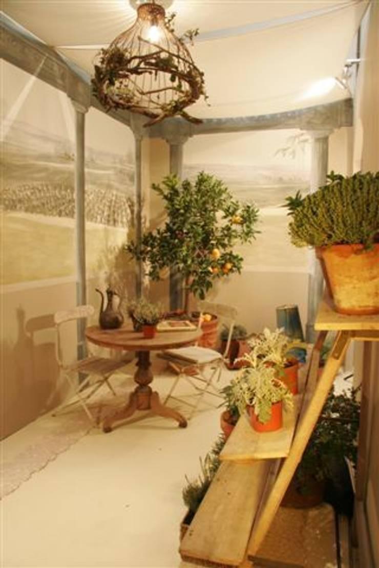 Terrazza in stile  di BARASONA Diseño y Comunicacion