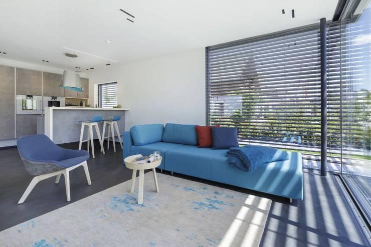 LUXHAUS Vertrieb GmbH & Co. KG: modern tarz Oturma Odası