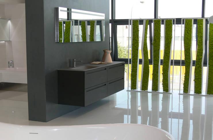 Casa de banho  por Architettura & Servizi