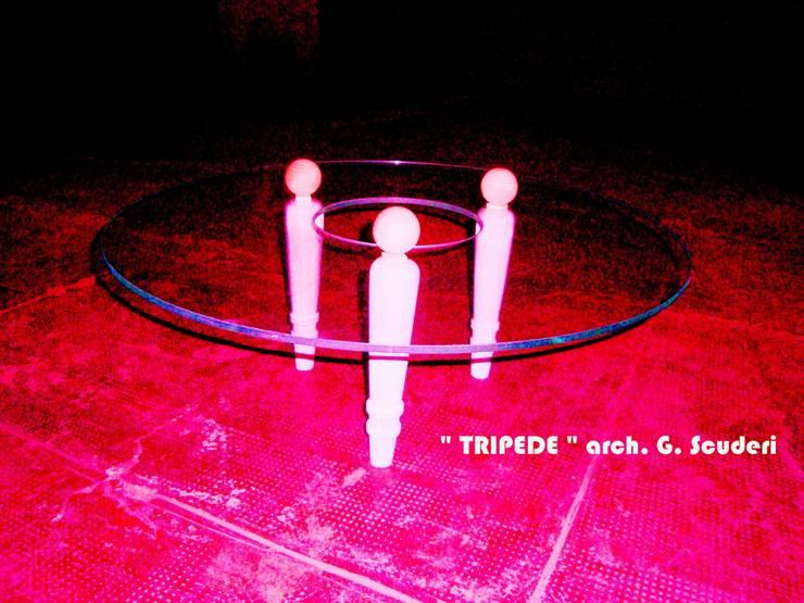 TRIPEDE:  in stile  di GIUSEPPE SCUDERI