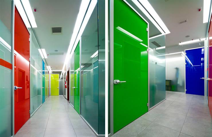 Arbeitszimmer von FèRiMa architetti russo