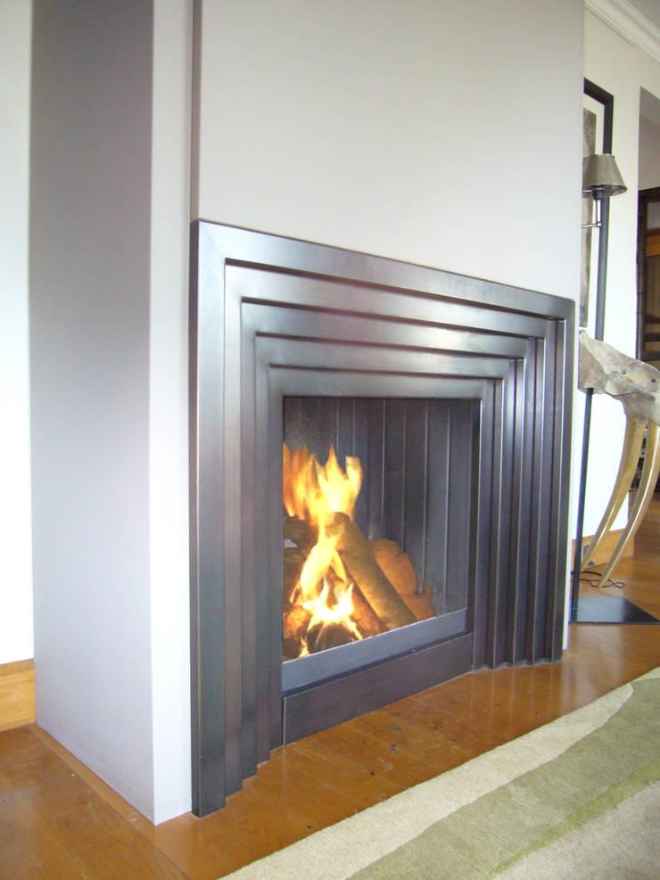Wohnzimmer von Bloch Design,