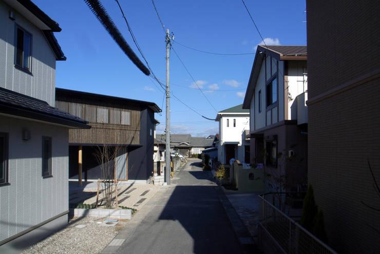 外観(前面道路): 秀田建築設計事務所が手掛けた家です。