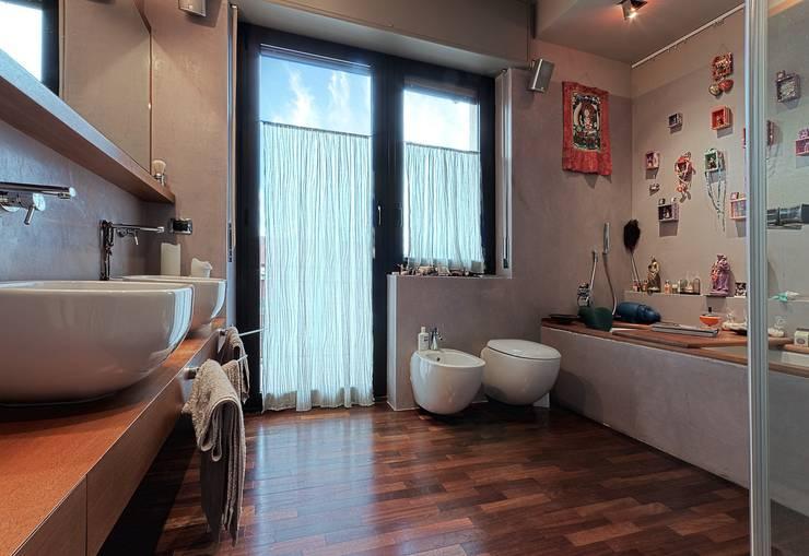 Private Flat APP_P_VA: Bagno in stile  di Diego Bortolato Architetto