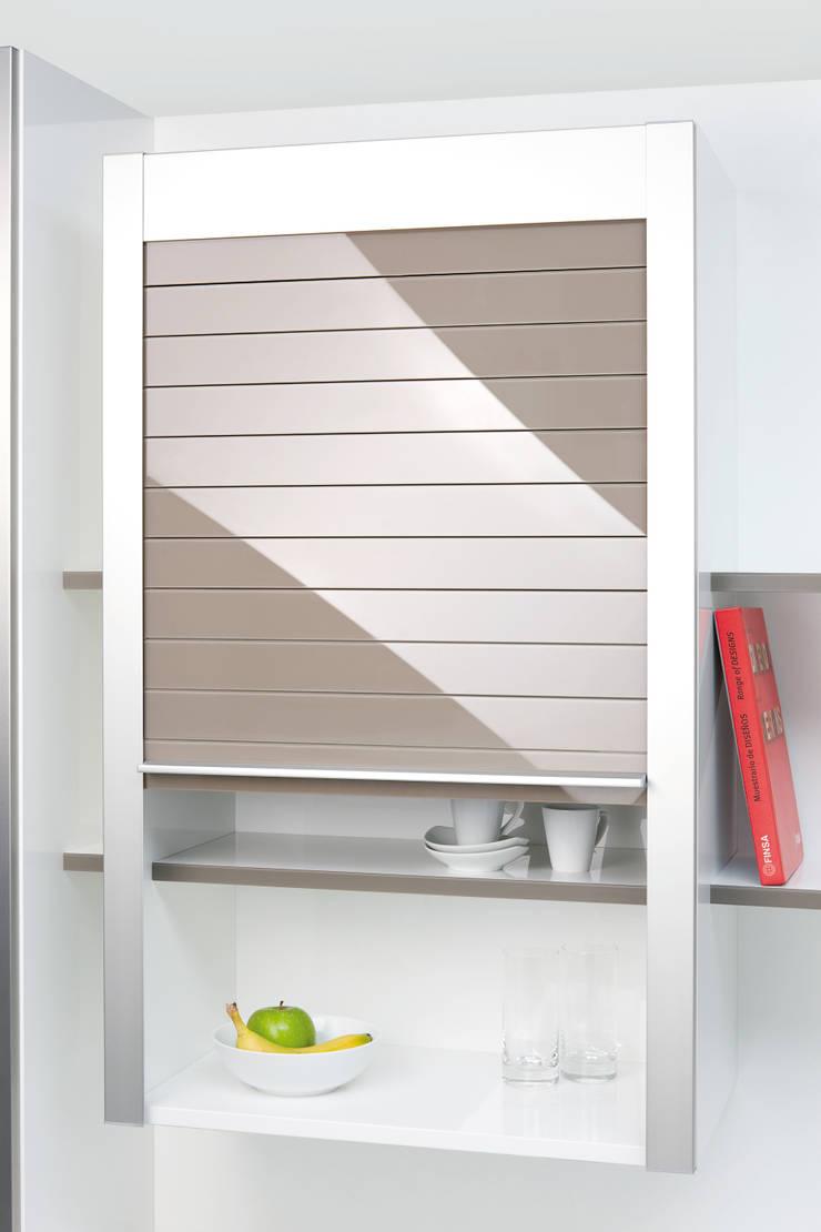 Мебельные роллеты из закаленного стекла серия Rauvolet Vetro-line: Кухня в . Автор – Rauvolet