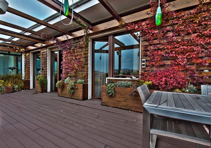 Private Flat APP_P_VA: Terrazza in stile  di Diego Bortolato Architetto