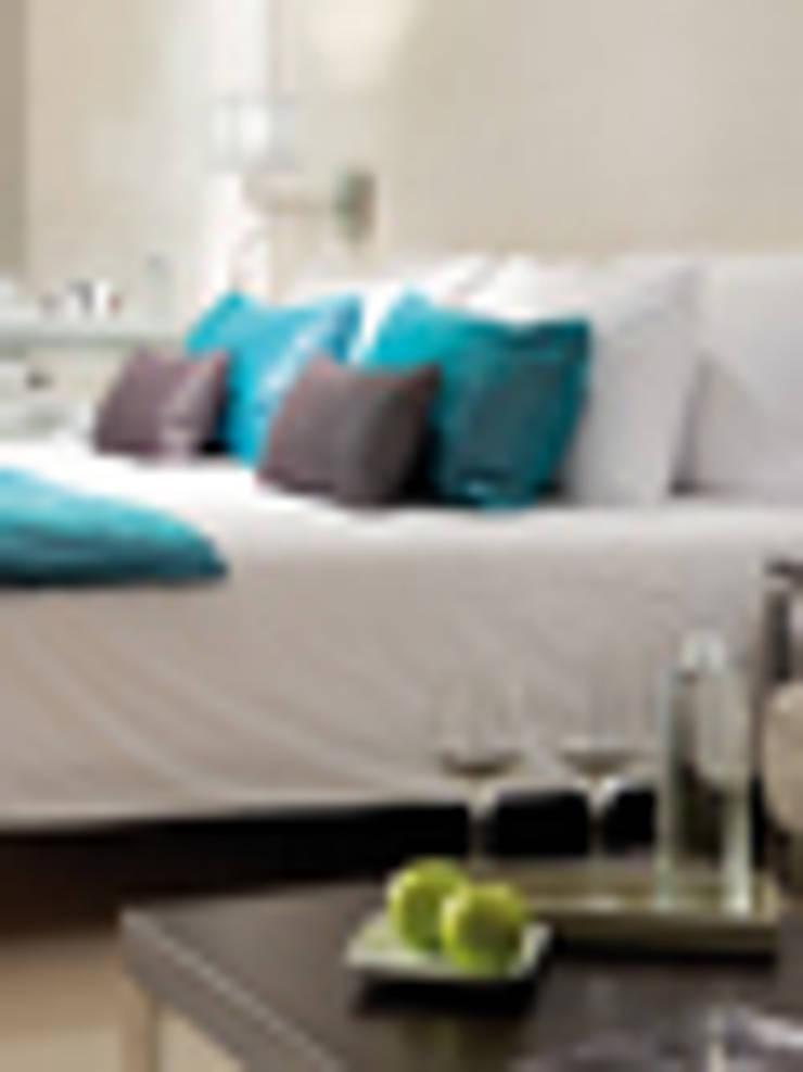 Bedroom by GRUPO LINEAS TC