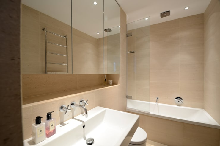 Belsize Park:  Bathroom by Gregory Phillips Architects