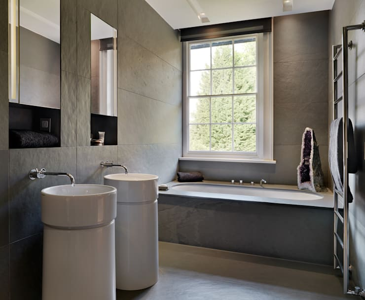 Guildford:  Bathroom by Gregory Phillips Architects
