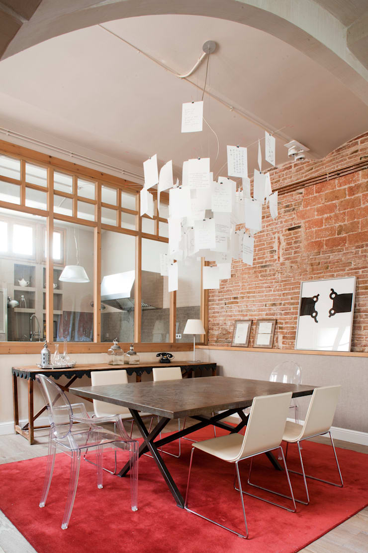 VIVIENDA TIBIDABO: Comedores de estilo minimalista de Meritxell Ribé - The Room Studio