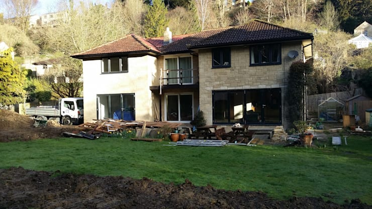Extension to Vallis, Lyncombe Vale, Bath:  Conservatory by BPM Maintenance