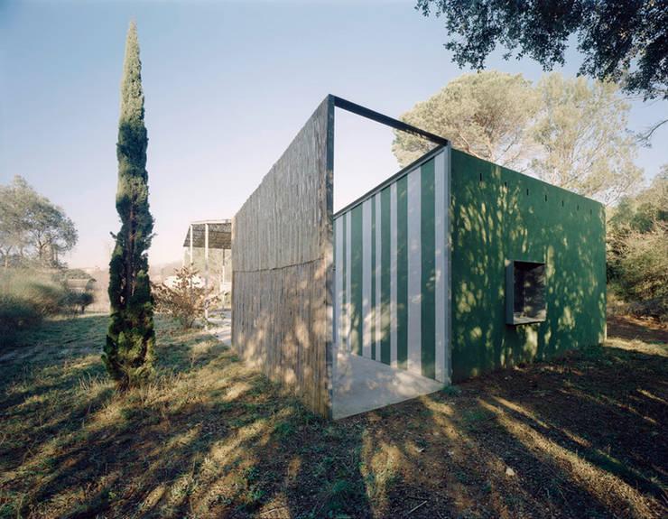 Exterior Casa en Gaüses Casas de estilo mediterráneo de Anna & Eugeni Bach Mediterráneo