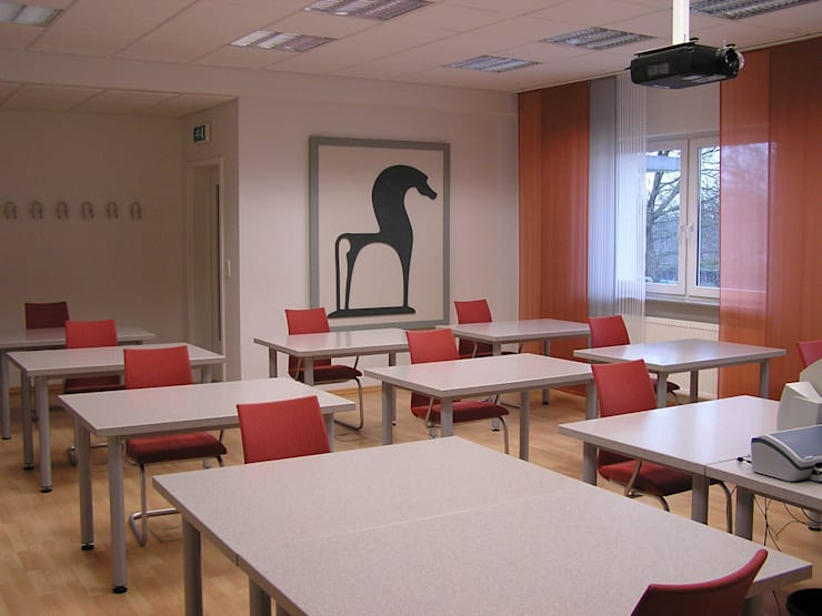 Salas multimédia  por B a r b a r a V o l m e r Interieur Design