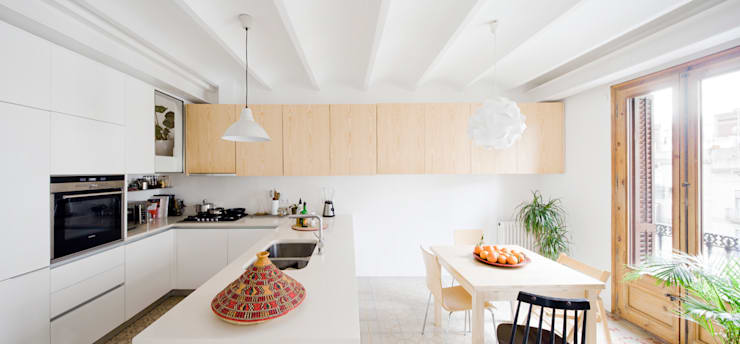 Kitchen by Anna & Eugeni Bach