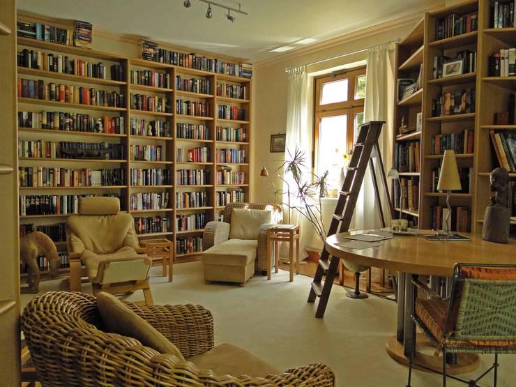 Bibliothek:   von B a r b a r a V o l m e r Interieur Design