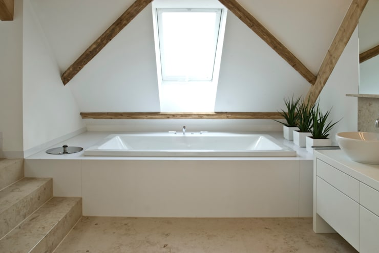 Salle de bain de style  par Pientka - Faszination Naturstein