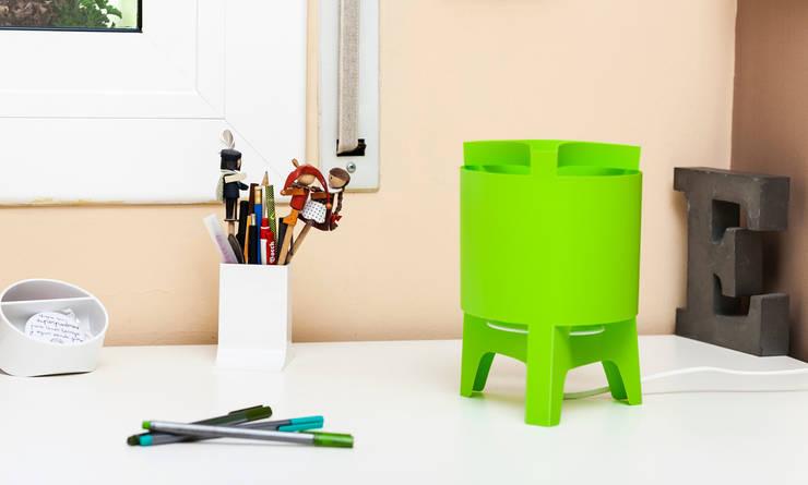 Orbit Mini: Salones de estilo  de DesignCode