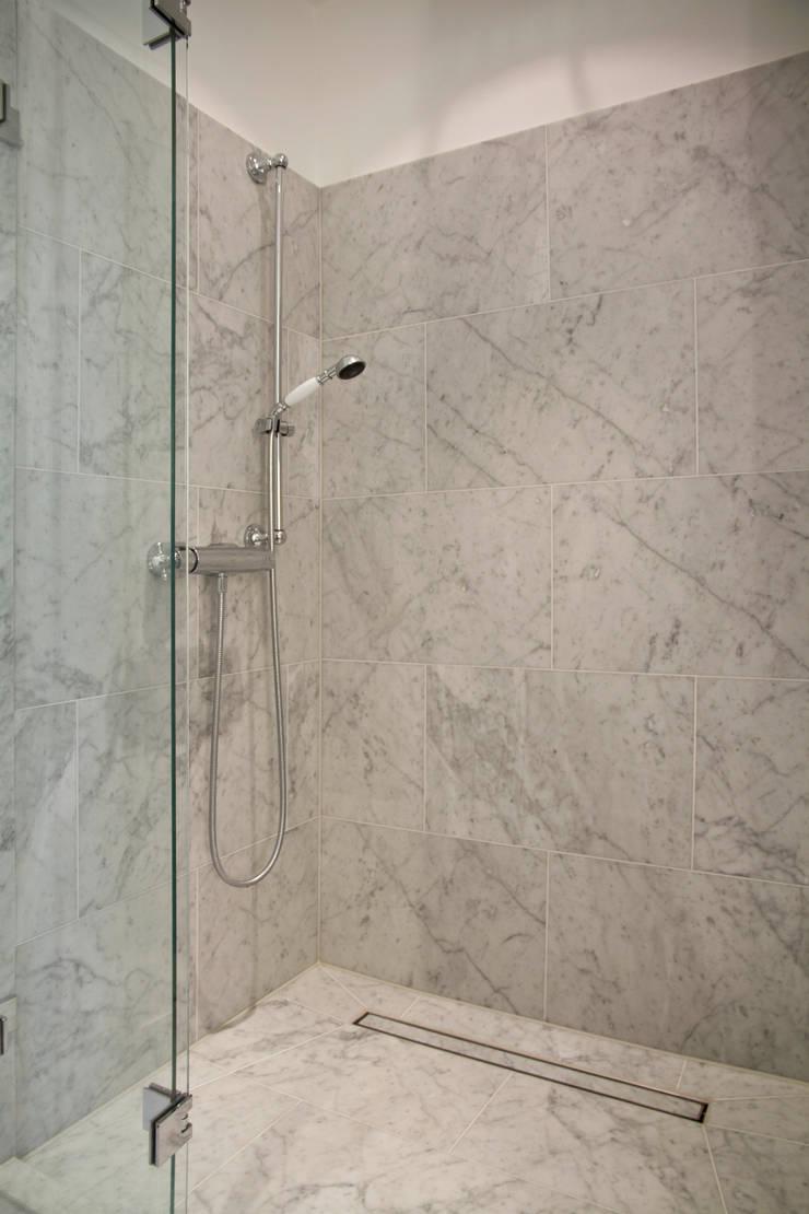 Pientka - Faszination Natursteinが手掛けた浴室