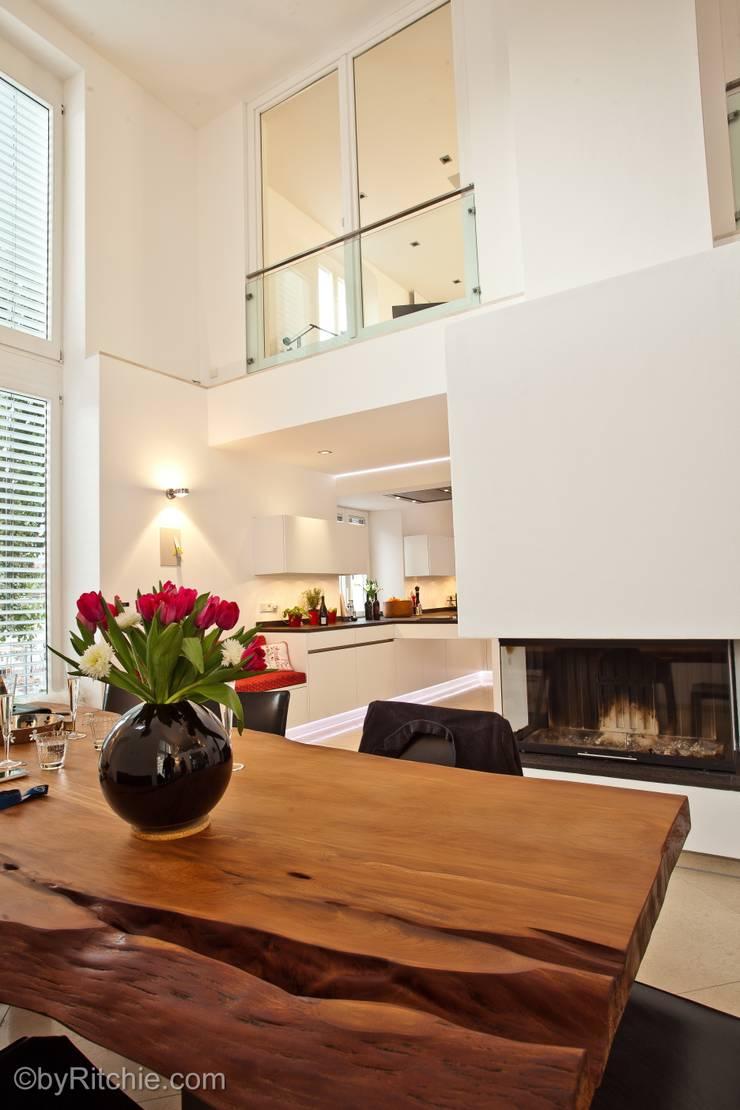 Comedores de estilo  por Architekturbüro Ferdinand Weber