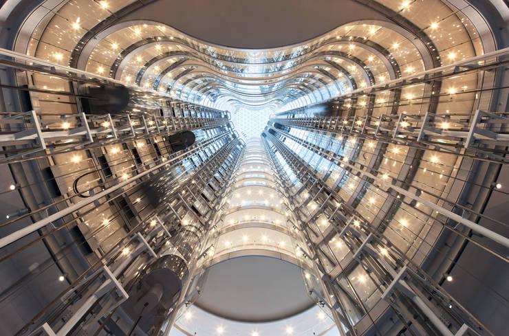Edificios de Oficinas de estilo  por TROPP LIGHTING DESIGN GmbH