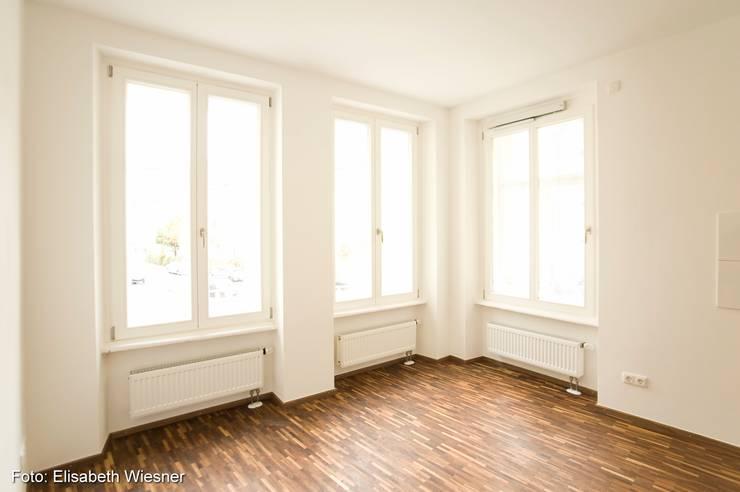臥室 by Architekturbüro Ferdinand Weber