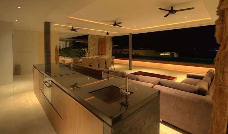 Kitchen:  Kitchen by Alissa Ugolini - homify UK
