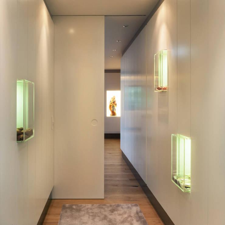 Projekt X:  Wohnzimmer von Schreinerei Gürr GmbH,Modern