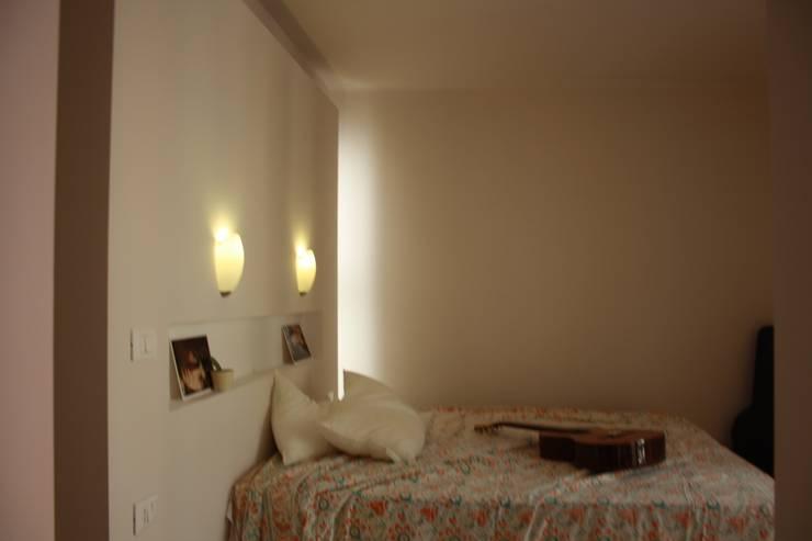 Schlafzimmer von ALESSANDRA ALFIERI ARCHITETTO, Ausgefallen