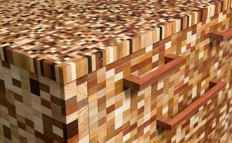 Musivi Pixelschrank Ausstellungsstück Unikat:  Esszimmer von DeBrugger