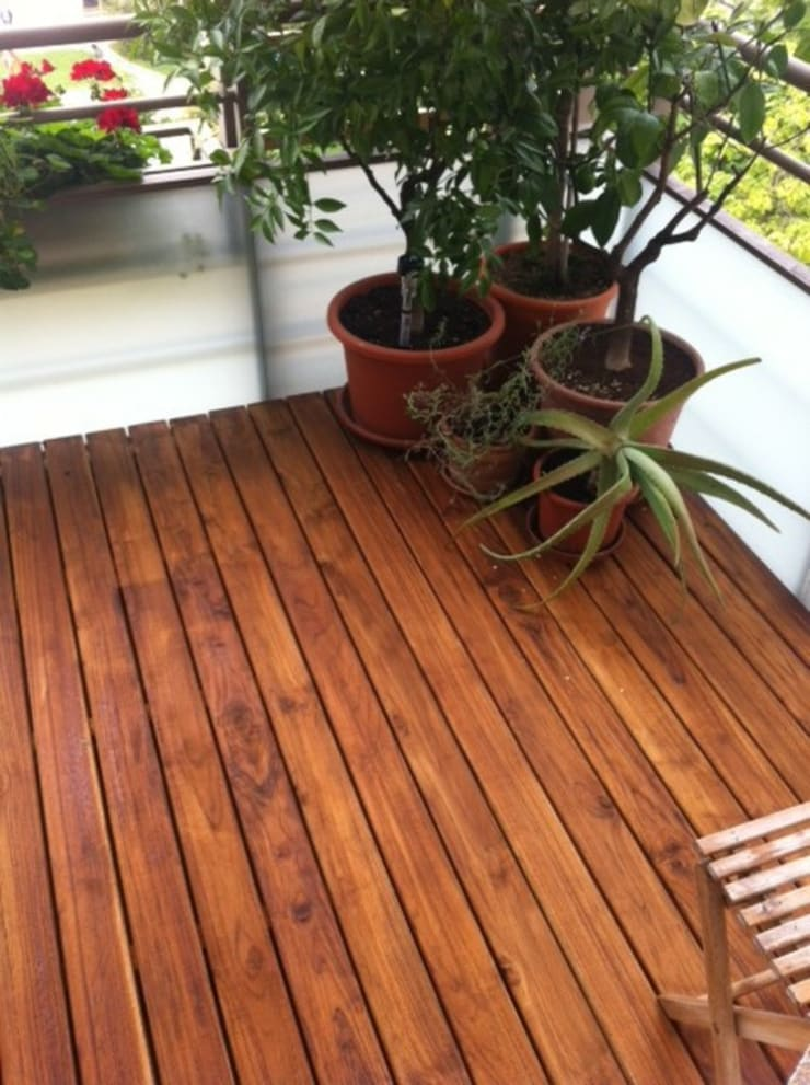 Terrazza in stile  di BS - Holzdesign