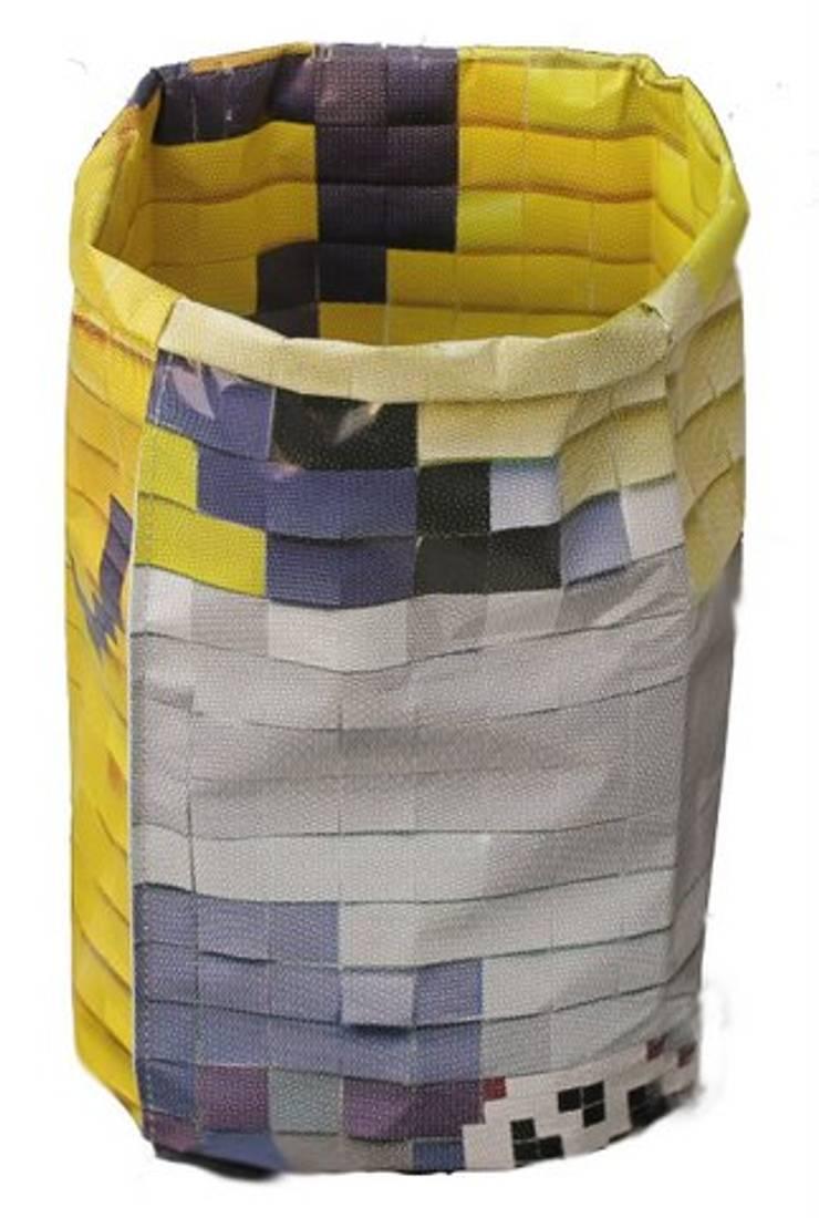Paperbags:  Woonkamer door jos van der meulen