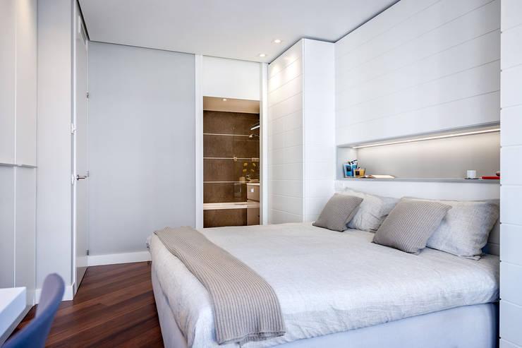 Vivienda en Plaza Euskadi Nº9, Bilbao. : Dormitorios de estilo  de URBANA 15