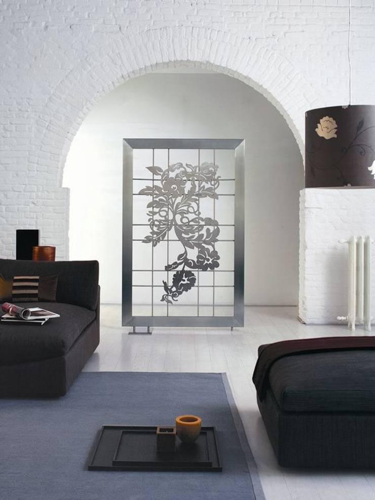 VD 3903: Couloir, entrée, escaliers de style  par Varela  Design