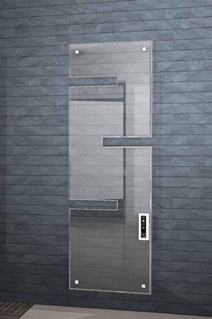VD 1803: Couloir, entrée, escaliers de style de style Moderne par Varela  Design