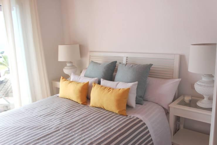 mediterranean Bedroom by Tatiana Doria,   Diseño de interiores