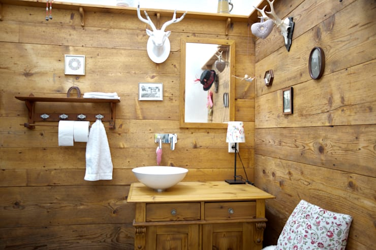 rustic Bathroom by vollmilch. Das Architekturbüro.