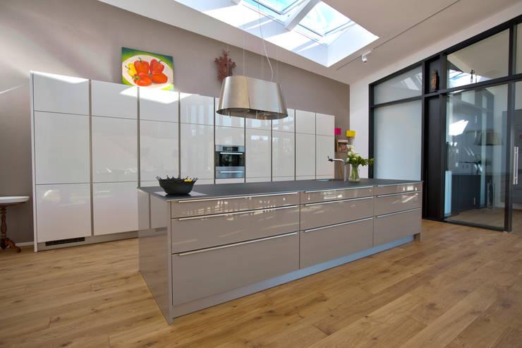 1-Einfamilienhaus:  Küche von vollmilch. Das Architekturbüro.
